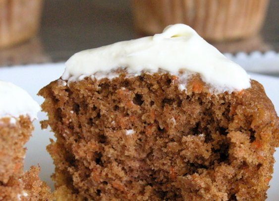 Apple-Carrot Cupcakes with Maple Cream Cheese Frosting | StreamingGourmet - The Blog