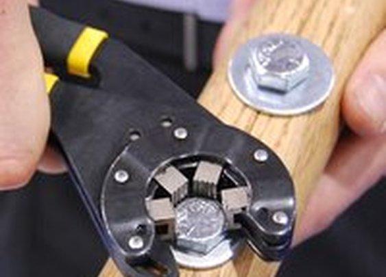 Fancy - Bionic Wrench