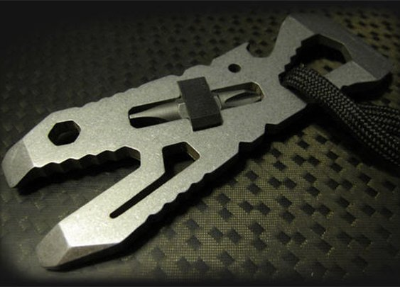 Piranha Pocket Tool Comes With Eleven Killer Functions In A Single Sheet Of Steel