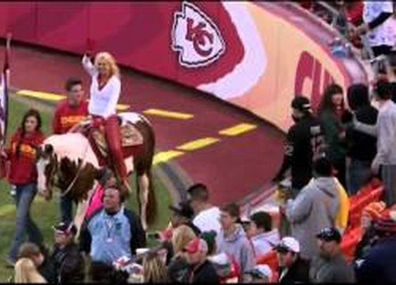 Kansas City Chiefs Safety Eric Berry is terrified of horses - YouTube