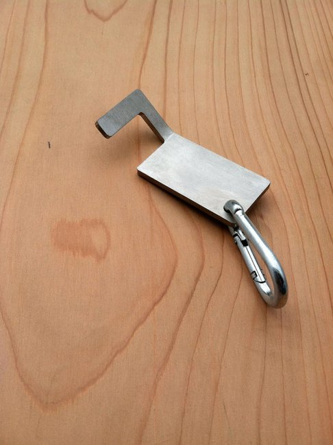 Thumbdrive keychain opener