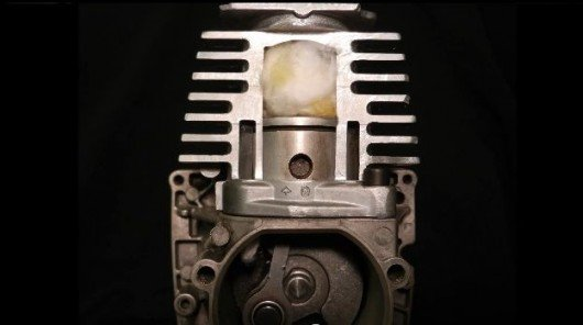 HydroICE project developing a solar-powered combustion engine
