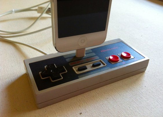 iPhone 5 Dock  Nintendo Controller Docking Station