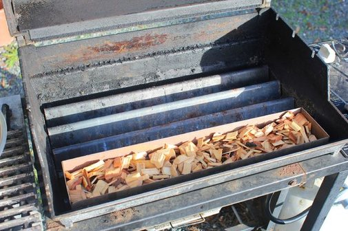 Turn Your Gas Grill into a Smoker - Simple Woodchip Tray