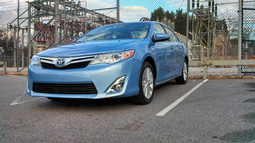 2012 Toyota Camry Hybrid XLE: First Look | Nick Palermo