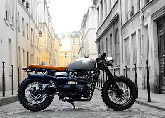 Triumph Cafe Tracker by Vintage Racers