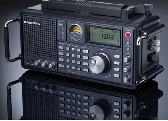 Grundig Satellit 750 Radio - Sporty's Preferred Living