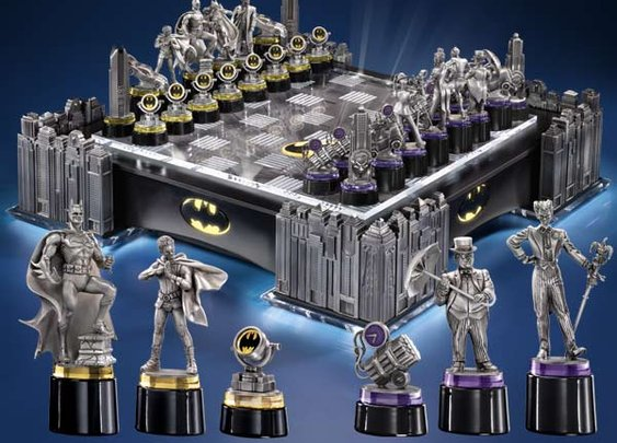 The Noble Collection: BATMAN CHESS SET