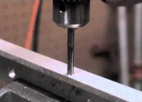 How To Start A Tap With A Drill Press - YouTube