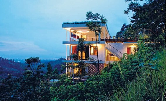 Tropical Natural House Style on the Hillside