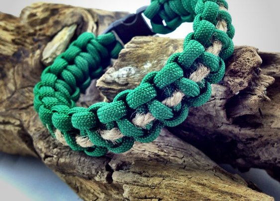 Paracord Bracelet in Green with Jute Twine by DesignedTurning