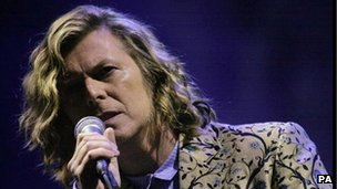 BBC News - Sixty-six facts about David Bowie