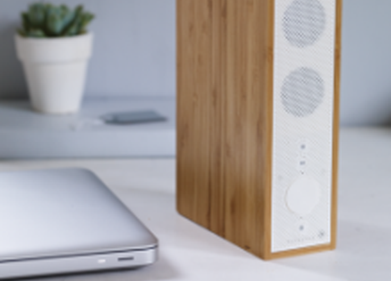 Wireless slimline bamboo bluetooth speaker | Fresh Design Blog