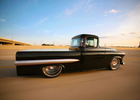 1957/58 Chevrolet Apache Fleetside RestoMod