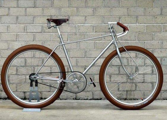 The Biscotti Messenger Bike by Vanguard