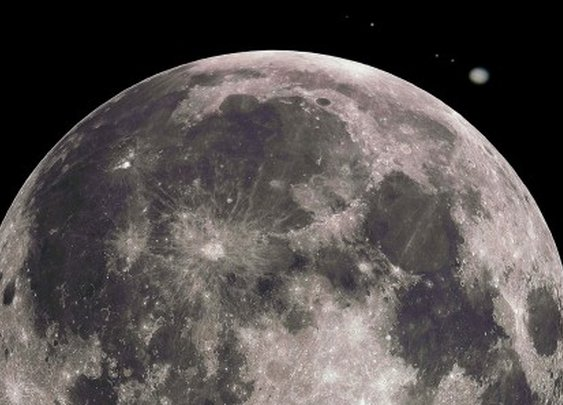 Jupiter and the Moon do a close, slow dance for stargazers