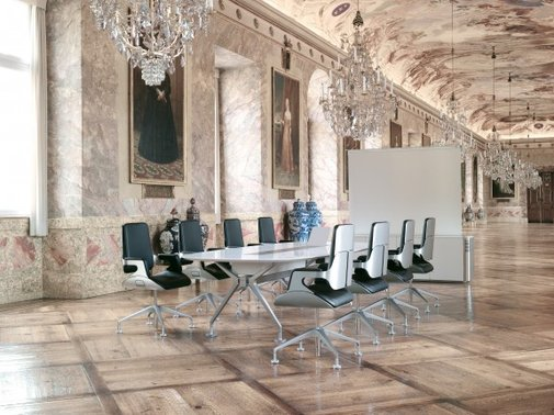 Silver chair by Interstuhl «  FORM.