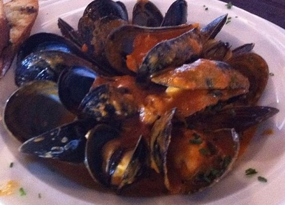 Pinot Gris with Mussels with Smoked Tomato Butter