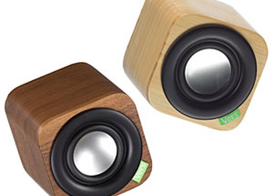 ThinkGeek :: Vers 1Q: Wood Cube Portable Bluetooth Sound System
