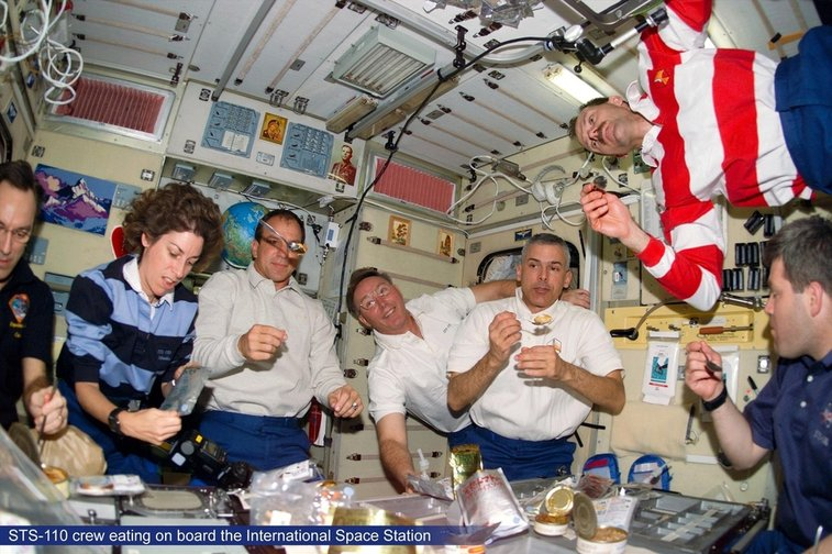 NASA lab shows what astronauts really eat in orbit