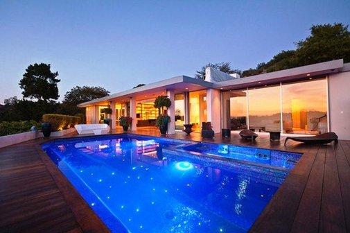 Unique Architectural Style Beverly Hills House by Jendretzki Architects