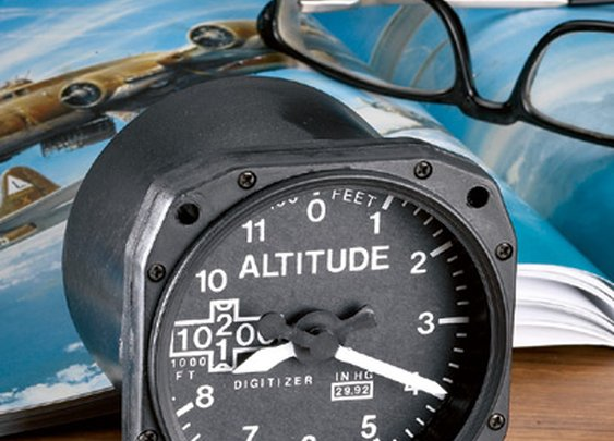 Altimeter Desk Clock - Sporty's Wright Bros