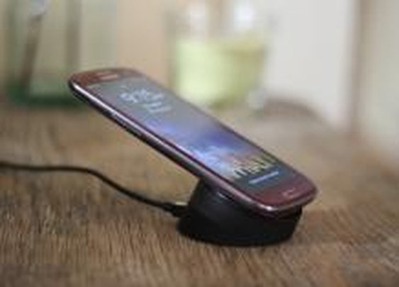 This easy hack adds wireless charging to Samsung Galaxy S3 | How To - CNET