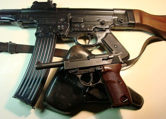 Group photos of German WWII guns-MP44, MP40, P.08s,  K.98. Mg34, Mg42