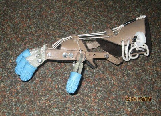 Robohand: How cheap 3D printers built a replacement hand for a five-year old boy | Ars Technica