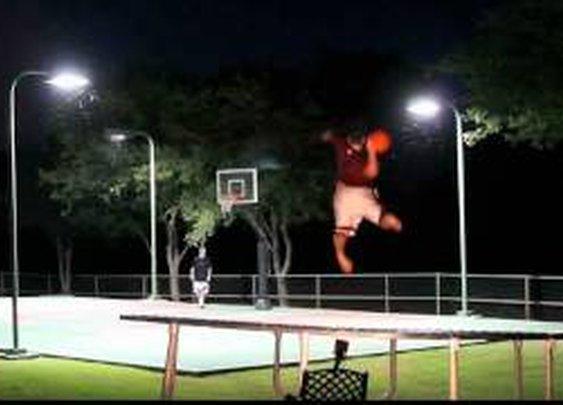 Frisbee v. Basketball: Trick Shot Battle