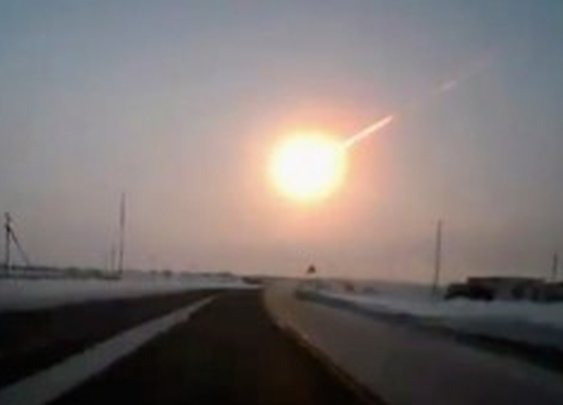 Videos: Meteorite Explosion Over Russian Urals (15-Feb-2013)