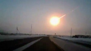 Videos: Meteorite Explosion Over Russian Urals (15-Feb-2013)