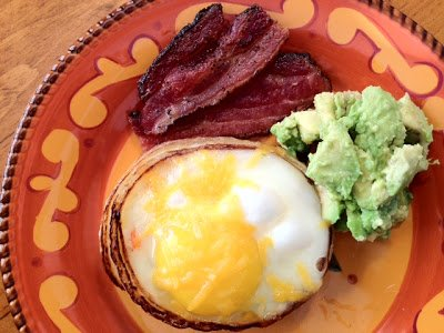 Bi-Polar Paleo: Onion Ring Brekkie