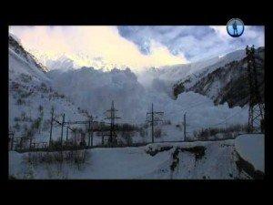 Big Avalanche Caught on Camera   ClickExist
