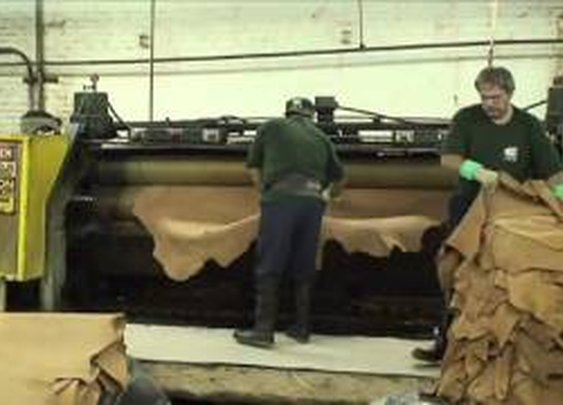 Hermann Oak Leather Tannery Tour Video - A Weaver Leather Leather Production HD - YouTube