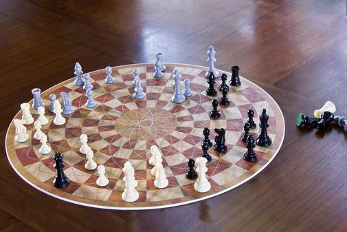 3-Man Chess Set — Tools and Toys