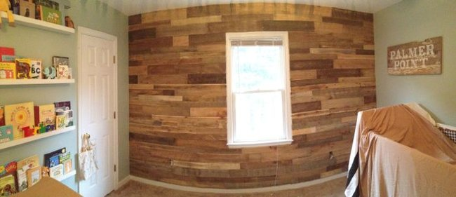 Pallet Wall Construction « Tommy & Ellie
