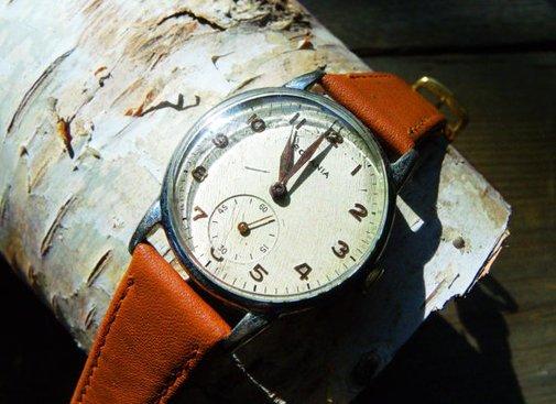 Classic Style-1940's Swiss Rodania Watch