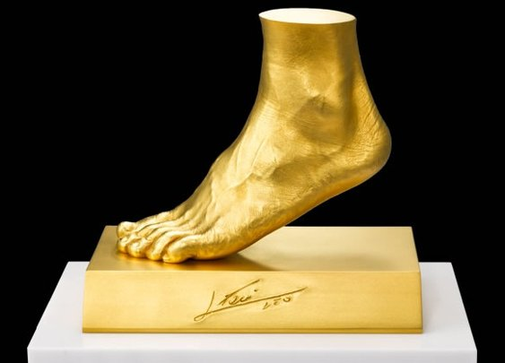 Lionel Messi Gold Foot by Ginza Tanaka - BonjourLife