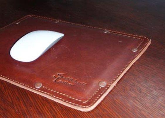 Saddleback Leather Desk/Mouse Pads | The Gadgeteer