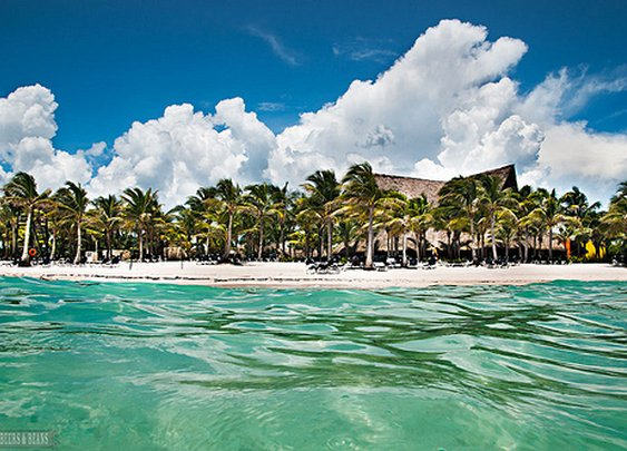 Want to visit Riviera Maya? Great resource for top attractions, hotels & places to eat!