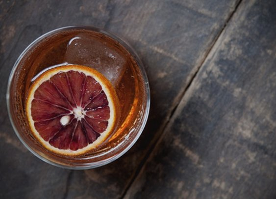 10 Highball Recipes Every Man Should Know | Man Made DIY | Crafts for Men | Keywords: skillset, how-to, spirits, whiskey