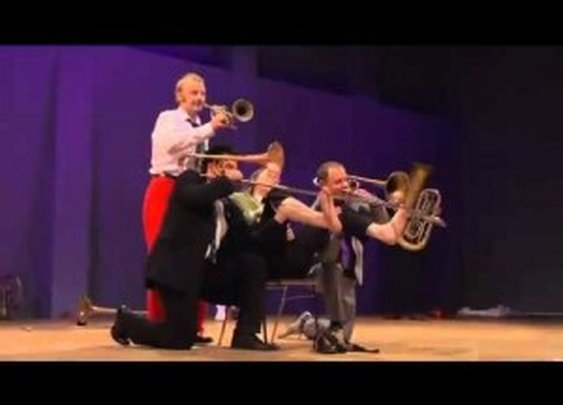 Mnozil Brass Band – Lonely Boy