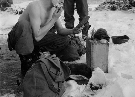 Cold Water Shaving: The Benefits and Pleasures of a Splash of Cold Water | The Art of Manliness