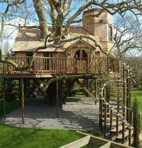 20 Tree House Pictures: Play-Club Plans to Big-Kid Houses | Designs & Ideas on Dornob