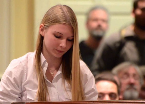 15 year old girl leaves anti-gun politicians speechless - YouTube