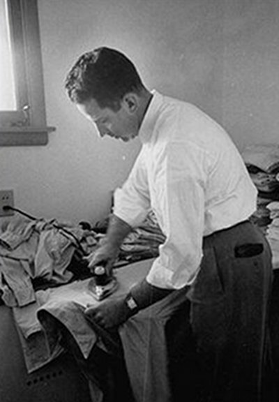 How to Iron a Dress Shirt Properly   The Art of Manliness