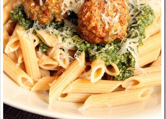Turkey Pesto Meatballs | The Marvelous Misadventures of a Foodie