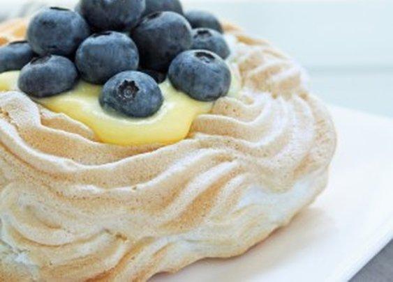 Sugar Free Berry & Lemon Curd Pavlovas