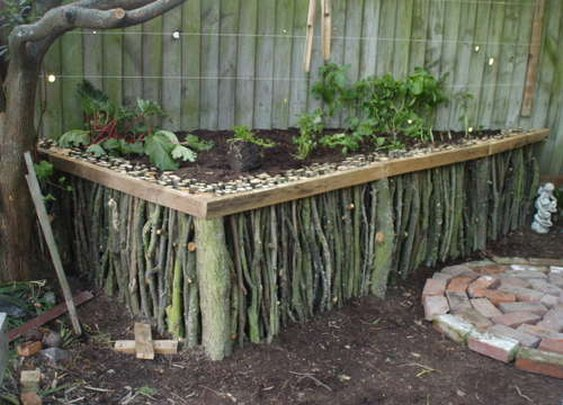 Natural Wood Raised Garden Bed | Apartment Therapy